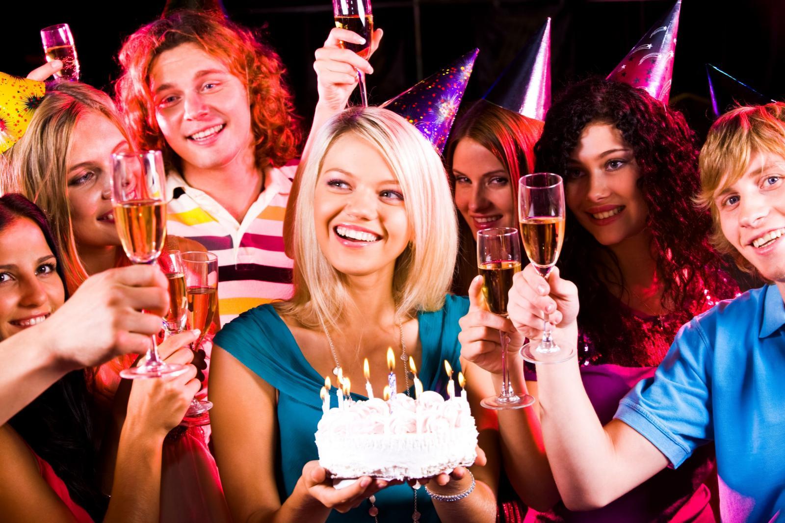 Марта, фото день рождения девушки прикольные
