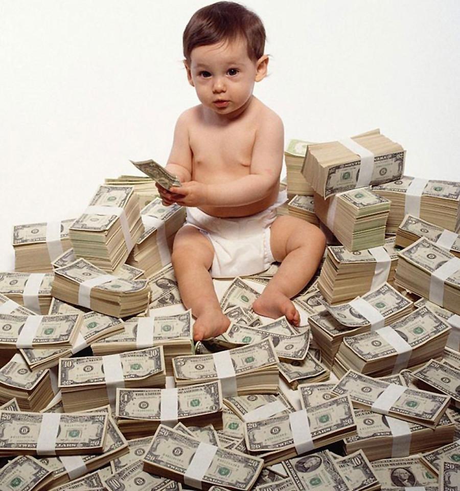 И иногда, как пророчат всяческие сонники, если снятся деньги, это может означать большие хлопоты!
