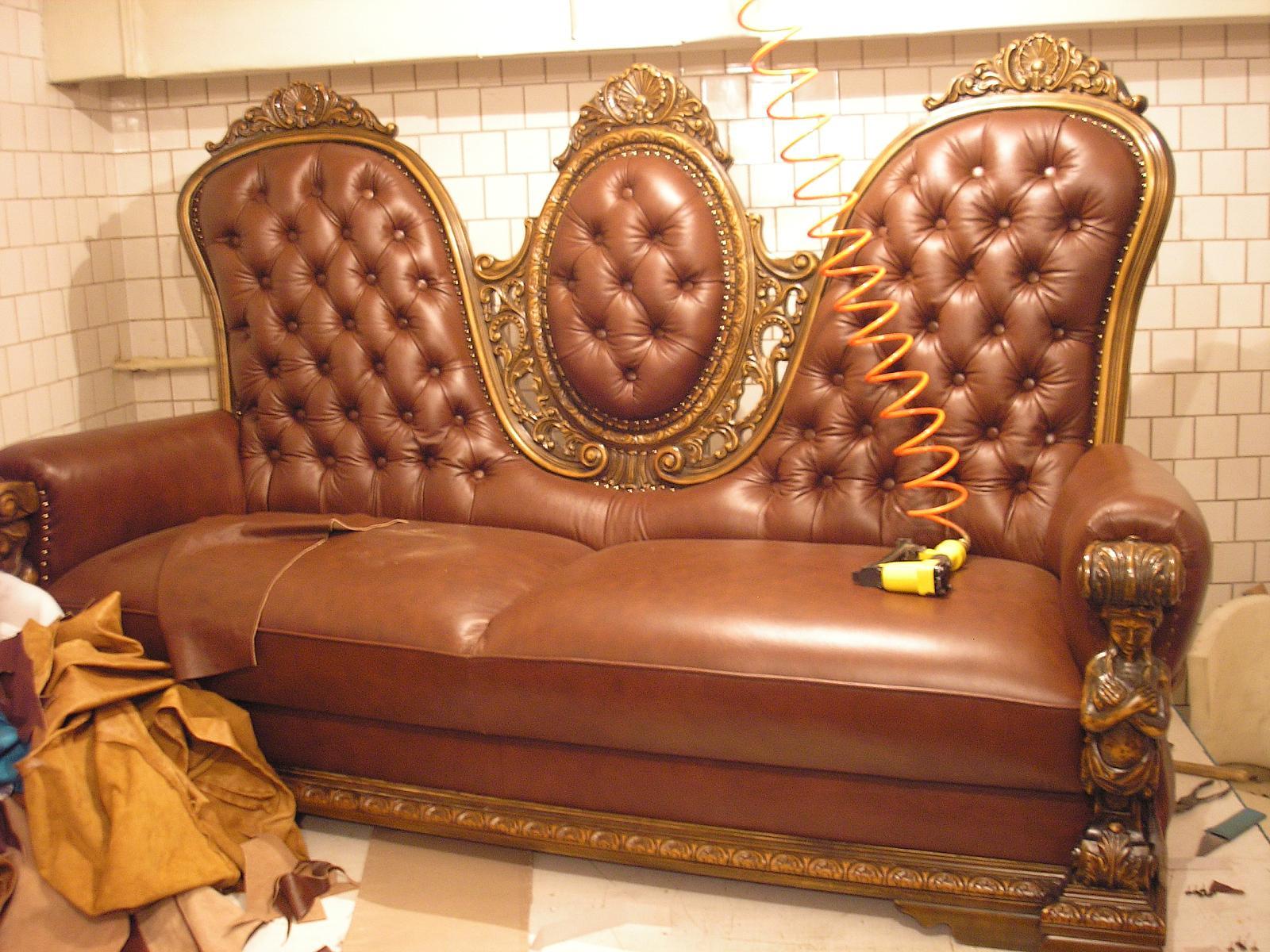 Картинка перетяжка мягкой мебели